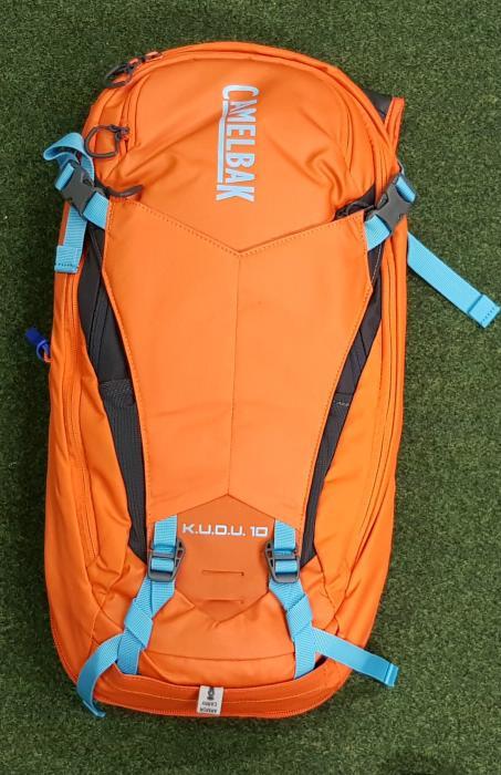 CAMELBAK Kudu Protector 10 batoh s chráničem páteře red orange/charcoal, M/L
