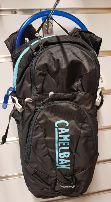 CAMELBAK Magic dámský batoh s pitným vakem 2019 charcoal/lake blue - POUZE 1 KUS V TÉTO BARVĚ